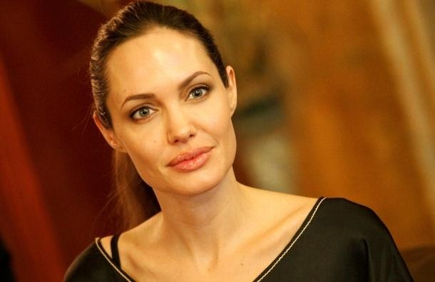 Анджелина Джоли может посетить Крым