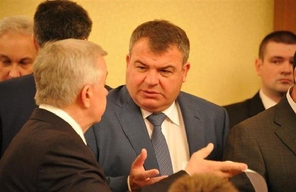 Анатолий Сердюков стал директором по авиапрому Ростеха
