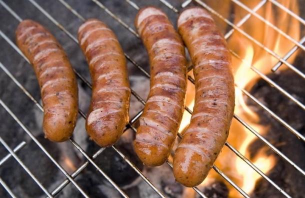 ВОЗ: Употребление переработанного мяса провоцирует рак кишечника