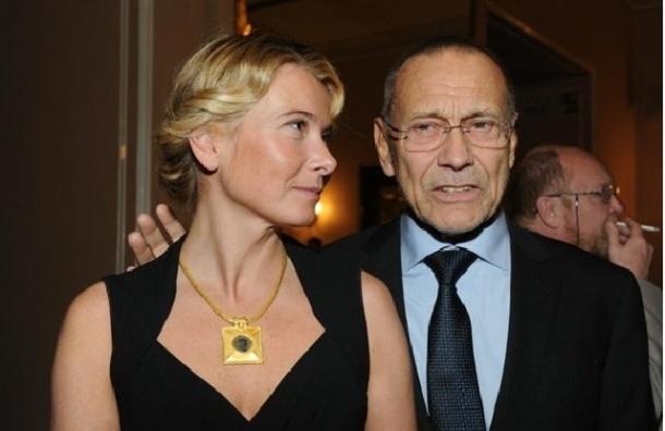 СМИ: Дочь Кончаловского вышла из комы