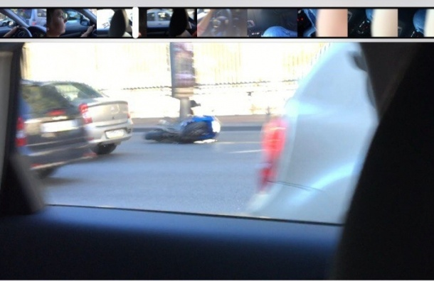 Мотоциклист упал, встав на дыбы, на Московском проспекте