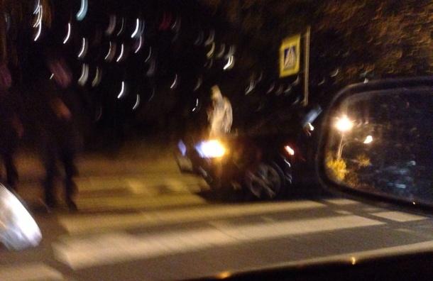 Девушку сбили на пешеходном переходе по улице Вавиловых