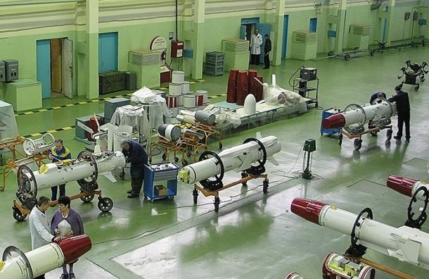 Ракетный завод, поставляющий оружие ВВС РФ в Сирию, перешел на работу в три смены