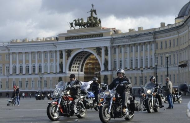 Закрытие мотосезона перекроет движение в центре Петербурга