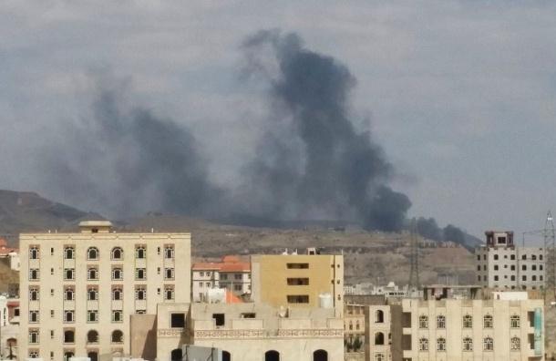 Бомбы упали на свадебные шатры в Йемене: 15 человек погибли, 25 ранены