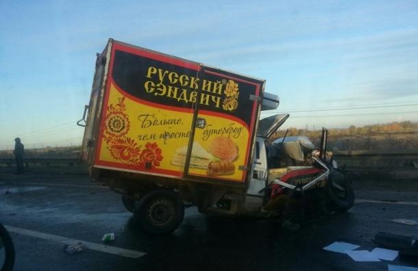 Массовые аварии происходят в Петербурге из-за наледи на дорогах