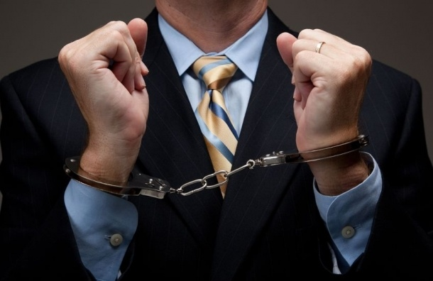 Петербургского бизнесмена отправили в колонию за неуплату налогов на 122 млн рублей