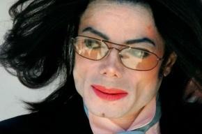 Майкл Джексон даже после смерти зарабатывает по 115 млн долл. в год