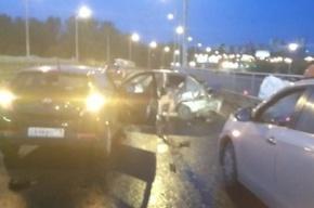 «Рено» ушел в занос в Автово, есть пострадавшие