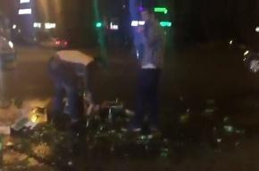 Счастливые люди собрали пиво, рассыпавшееся на дороге в Приморском районе