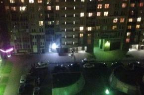 Девочка упала с балкона 16-го этажа на Ланском