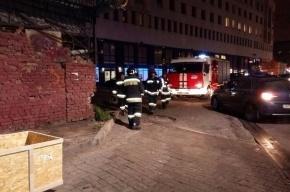 Очевидцы: застрявшего подростка сняли с крыши на улице Ефимова