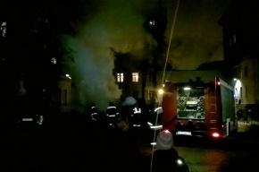 Пожар произошел на Весельной улице Петербурга