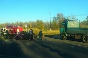 Водитель «Гранты» погиб в столкновении с фурой в Старом Петергофе