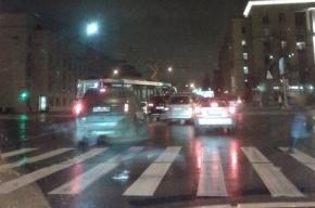 Маршрутка врезалась в трамвай на пересечении Благодатной и Московского