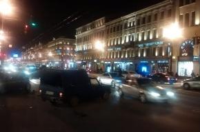 Массовая авария на Невском собрала шесть автомобилей