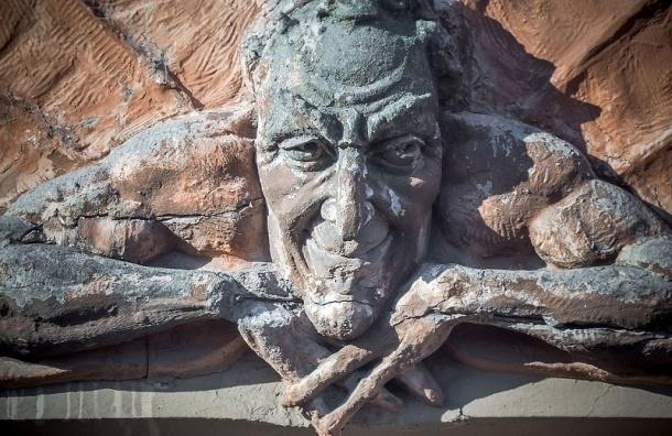 «Мефистофеля» в доме на Лахтинской восстановят не раньше 2021 года