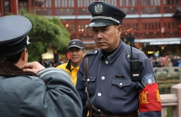 Трое китайских школьников 11-13 лет до смерти забили палкой учительницу