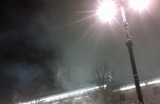 Более 600 человек эвакуировали из-за пожара в здании Морского кадетского корпуса