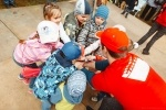 Фоторепортаж: «28 ноября 2015 года  в ТРК Питерлэнд в день Матери журнал mama'slife организует в честь своего дня рождения городской праздник «Воображариум fest».  Это событие объединит в себе все самые смелые родительские идей по развлечению и образованию детей.»