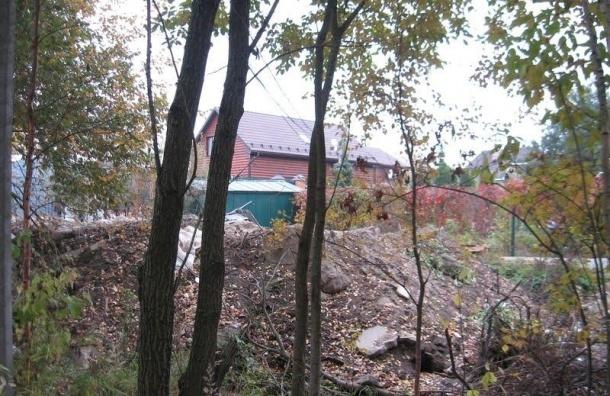 В Новосаратовку снова незаконно привезли строительные отходы