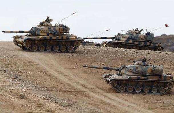 СМИ: К границе с Сирией Турция перебросила 20 танков