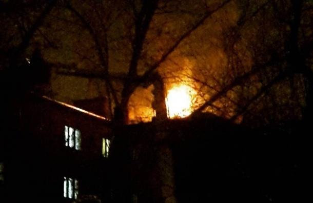 Крупный пожар в общежитии МАИ, эвакуировано 400 человек