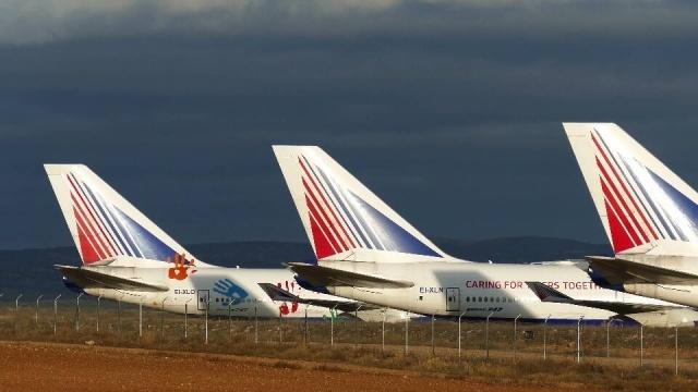 """Самолеты """"Трансаэро"""" перевезли на консервацию в Испанию: Фото"""