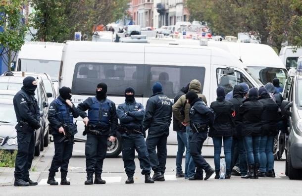 Неизбежных терактов ждут в Брюсселе, закрыли метро, людям советуют избегать толпы