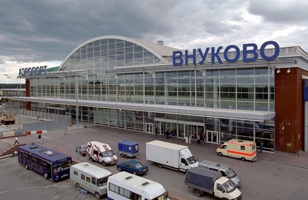 Приезжий из Таджикистана бросился с эстакады аэропорта Внуково