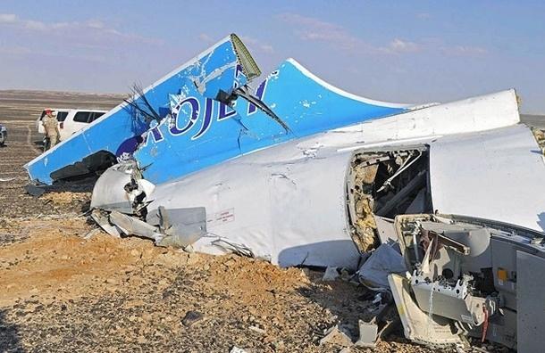 Четвертый самолет МЧС доставил в Петербург останки и личные вещих погибших в Египте