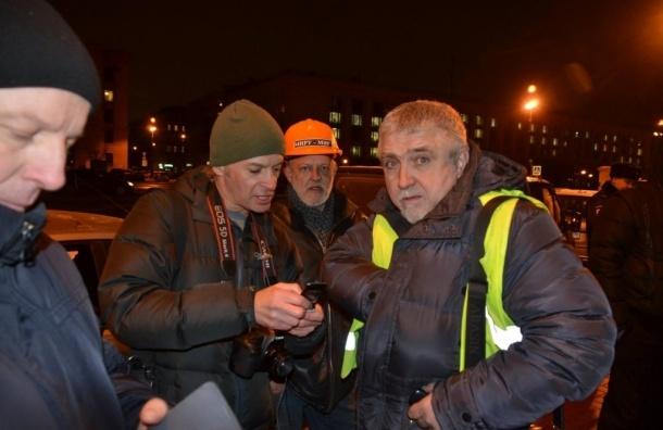 Активиста дальнобойщиков задержали четырьмя патрульными машинами