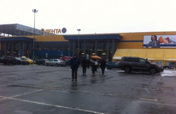 Очевидцы: «Ленту» на Обводном канале эвакуировали