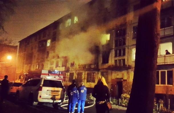 Двухкомнатная квартира полностью выгорела на Новоизмайловском