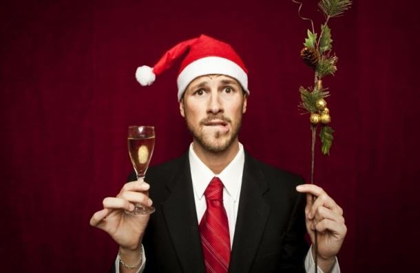 Почти две трети россиян сократят свои расходы на Новый год