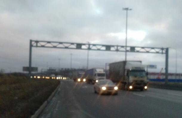 Основная колонна дальнобойщиков движется к Мурманскому шоссе