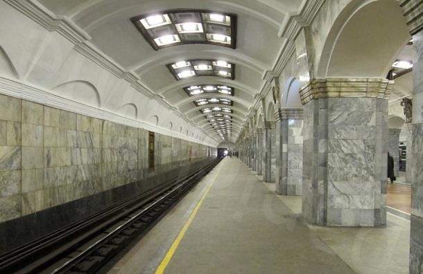 Поезда встали на Кировском заводе из-за бесхозного пакета