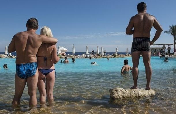 Последние туристы из Петербурга покидают Египет