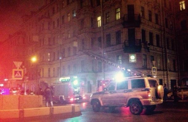 Больше 130 человек тушили квартиру на Фонтанке