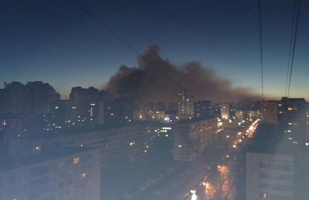 Серьезный пожар произошел на площадке ЖК «Лондон парк»