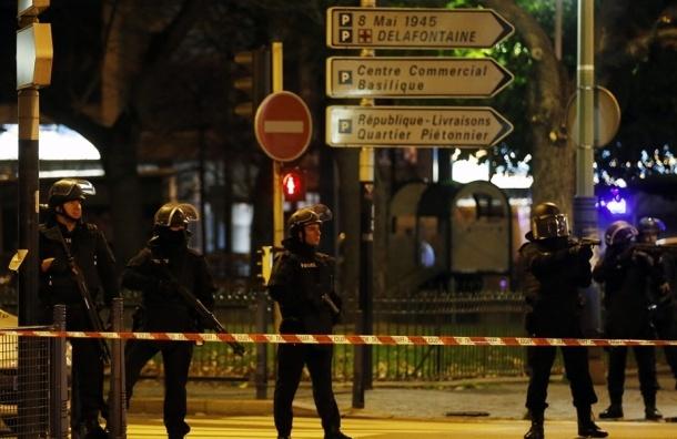 Полиция завершила операцию в Сен-Дени: 7 террористов задержаны, погиб местный житель
