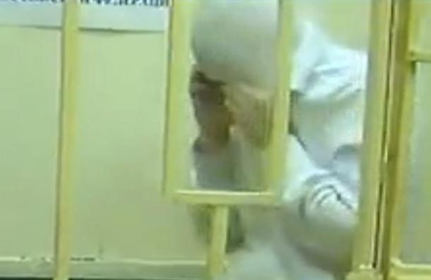 Суд оставил под арестом студентку МГУ Варвару Караулову