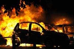 Пять автомобилей сгорели за ночь в Выборгском районе