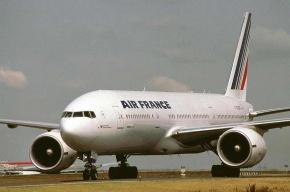 Пассажиров самолета, у которого отказал двигатель, отправят из Пулково другим рейсом