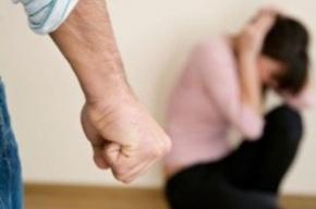 Молодую девушку в Ломоносове изнасиловал извращенец
