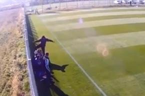Румынский тренер запинал 16-летнего футболиста за поход в «Макдональдс»