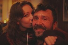 Сергей Шнуров будет дедушкой