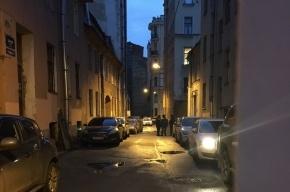 Заячий переулок перекрыли из-за бесхозного предмета