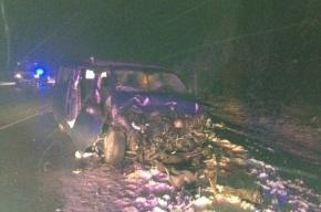Микроавтобус с туристами разворотило от удара эвакуатора на «Скандинавии»