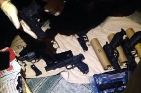 Груду оружия изъяли в Москве у украинских боевиков, которые планировали «насильственные акции»